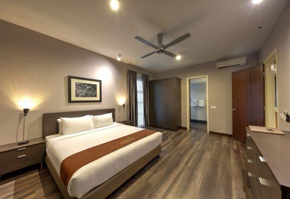 Premier King – Bedroom (Medium)